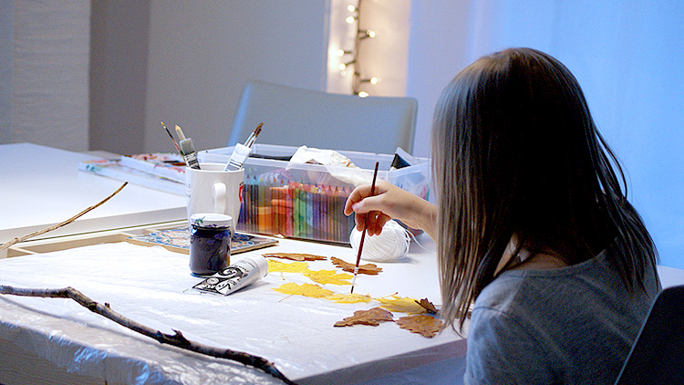 szkola-sztuki-malowane-liście_TM